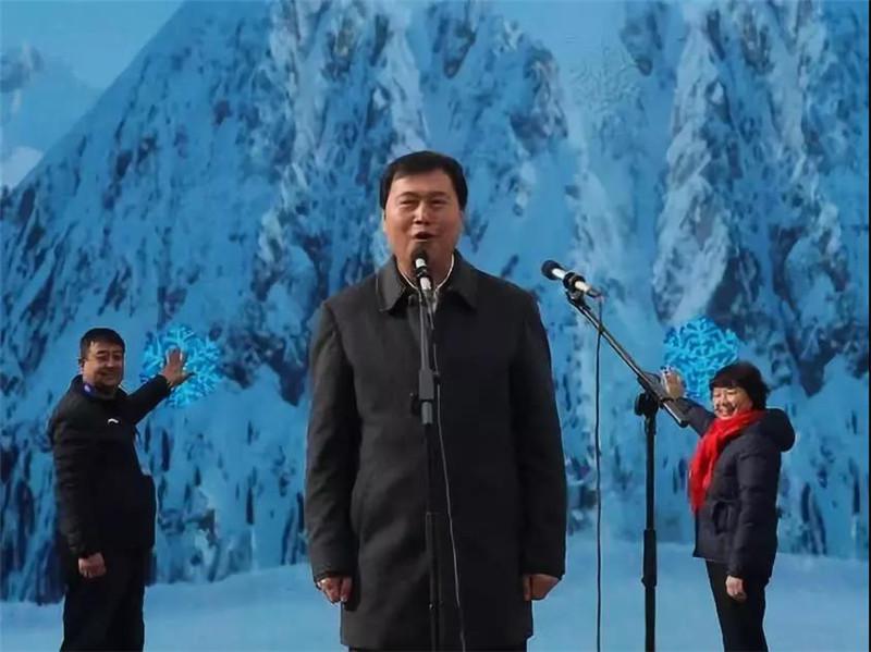 汉中市副市长屈占权宣布活动启动。.jpg